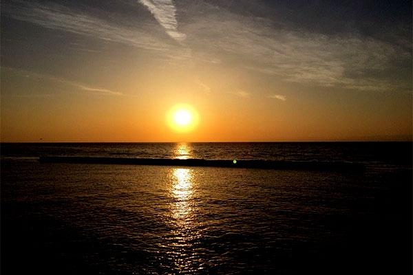 下田ビーチの夕日